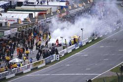 Michele Alboreto, Ferrari 156/85 retires from the race with a turbo fire.