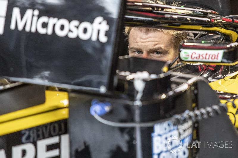 10: Nico Hulkenberg, Renault Sport F1 Team R.S. 18, 1'05.019