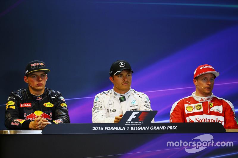La conferenza stampa FIA post qualifiche (da sx adx): il secondo qualificato Max Verstappen, Red Bull Racing; il poleman Nico Rosberg, Mercedes AMG F1; il terzo qualificato Kimi Raikkonen, Ferrari