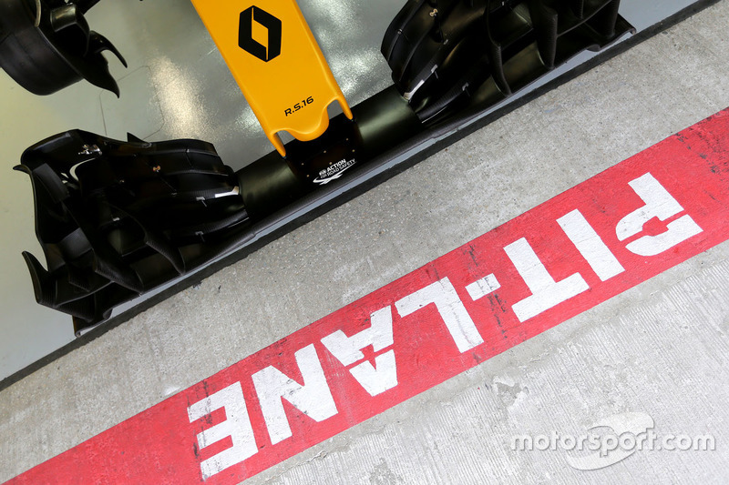 Renault Sport F1 Team RS16 front wing