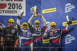 Podium: troisième place #32 SMP Racing BR 01 Nissan: Stefano Coletti, Andreas Wirth, Vitaly Petrov
