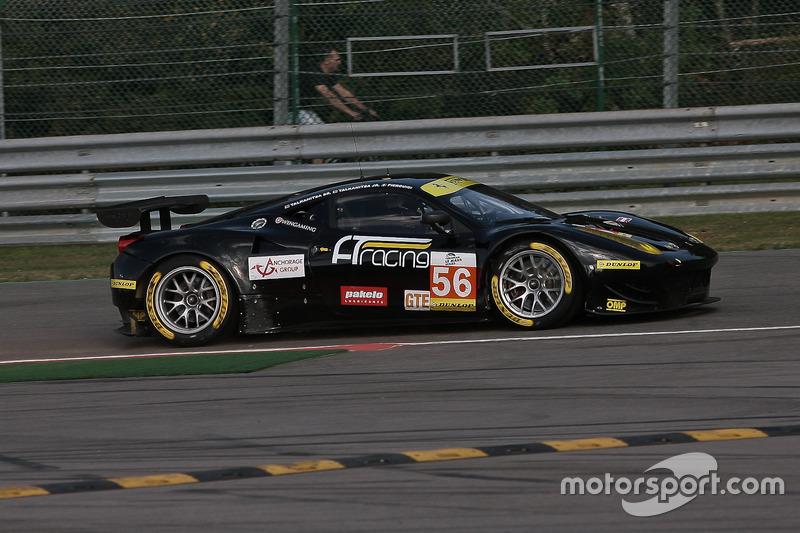 Notausgang für #56 AT Racing, Ferrari F458 Italia: Alexander Talkanitsa, Alexander Talkanitsa Jr, Al