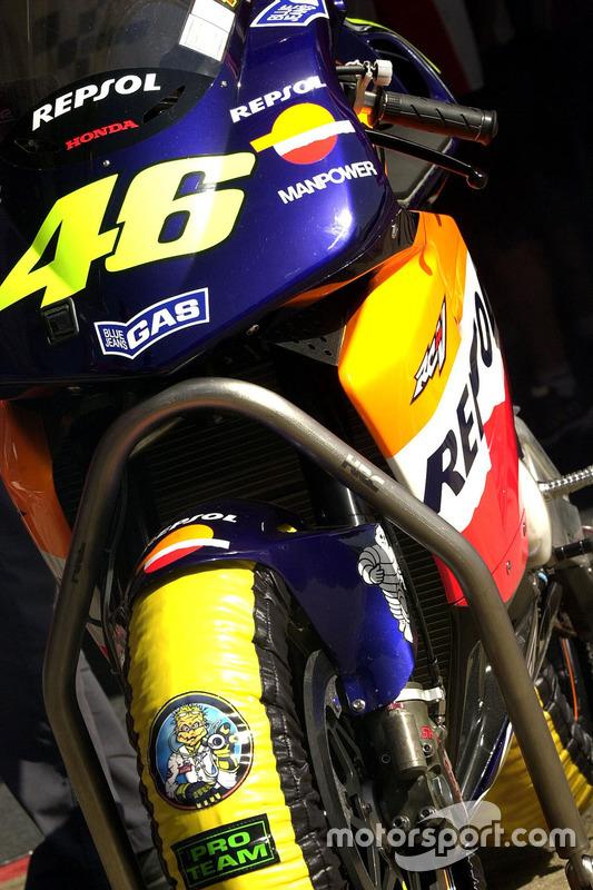 Gros plan sur la Honda de Valentino Rossi