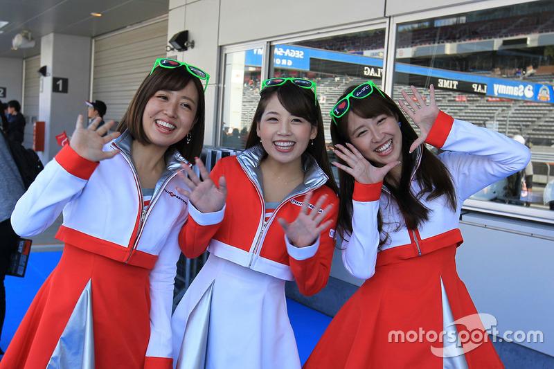 Hot Fuji Speedway girls