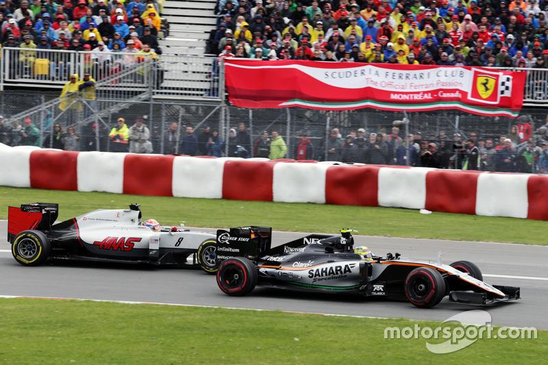 Серхіо Перес, Sahara Force India F1 VJM09 та Ромен Грожан, Haas F1 Team VF-16, боротьба за позицію