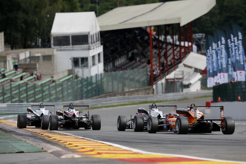 Start of the race, George Russell, HitechGP, Dallara F312 - Mercedes-Benz taking the lead from 22 Jo