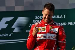 Podium : vainqueur Sebastian Vettel, Ferrari