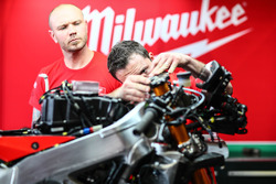 Mechaniker: Milwaukee Aprilia World Superbike Team