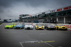 All cars of the manufactures at the start-finish-line