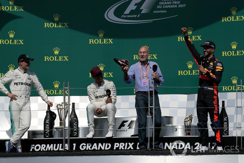 Гран Прі Канади. Переможець Льюіс Хемілтон, Mercedes AMG F1, друге місце - Валттері Боттас, Mercedes AMG F1, третє місце - Даніель Ріккардо, Red Bull Racing, Патрік Стюарт