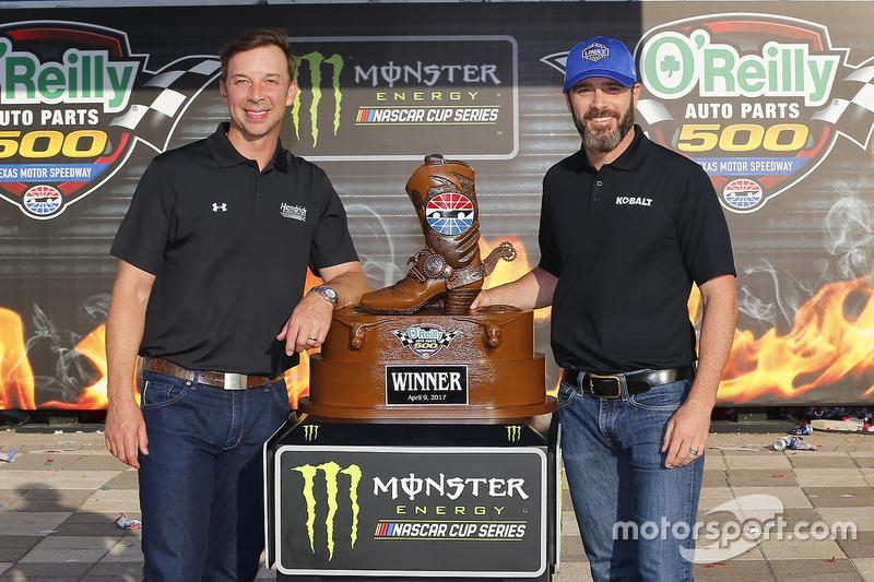 1. Jimmie Johnson, Hendrick Motorsports, Chevrolet, mit Crewchief Chad Knaus