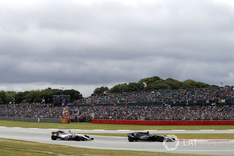 Ромен Грожан, Haas F1 Team VF-17, Феліпе Масса, Williams FW40