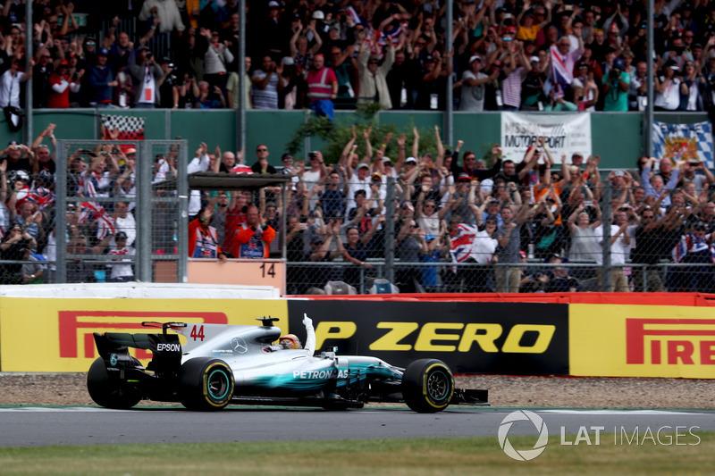Льюіс Хемілтон, Mercedes AMG F1 W08, уболівальники