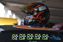 Helm von Martin Truex Jr., Furniture Row Racing
