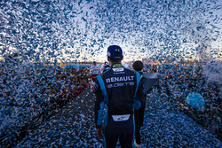 Podium: Race winner Sebastien Buemi, Renault e.Dams
