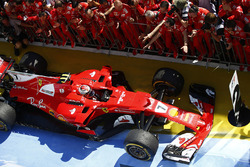 Kimi Raikkonen, Ferrari SF70H, second place