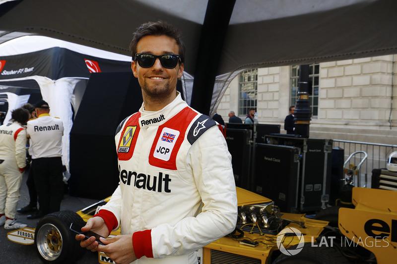 Jolyon Palmer, Renault Sport F1 Team, 70'ler tulumuyla