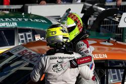 Il vincitore della gara Jamie Green, Audi Sport Team Rosberg, Audi RS 5 DTM e Timo Glock, BMW Team RMG, BMW M4 DTM