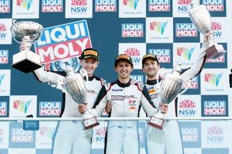 Podium: race winners #912 EBM Porsche 911 GT3-R: Dirk Werner, Dennis Olsen, Matt Campbell celebrate with champagne