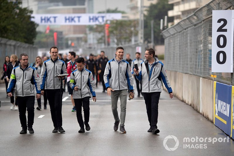 Edoardo Mortara, Venturi Formula E walks the track with his team