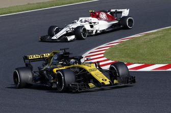 Nico Hulkenberg, Renault Sport F1 Team R.S. 18 precede Charles Leclerc, Sauber C37