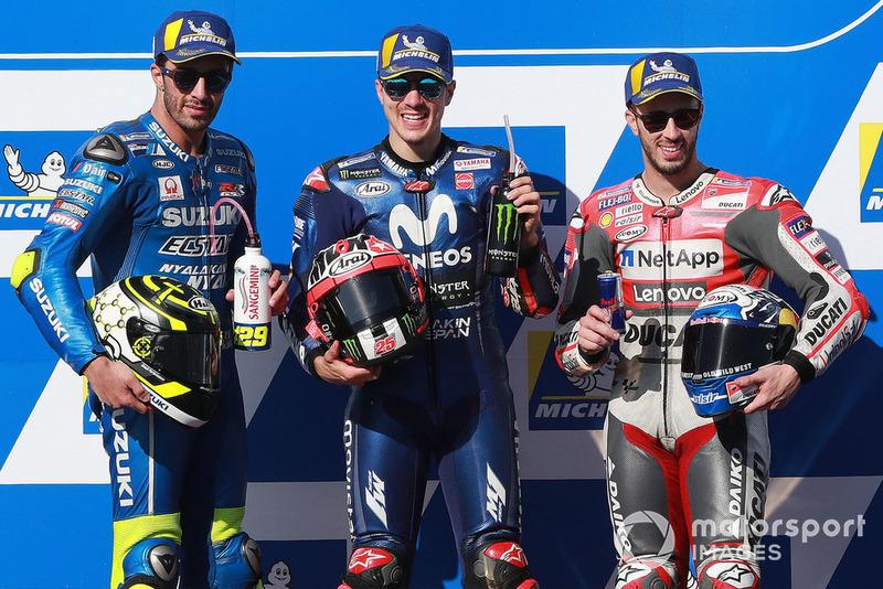 Подіум: друге місце Андреа Янноне, Team Suzuki MotoGP, переможець гонки Маверік Віньялес, Yamaha Factory Racing, третє місце Андреа Довіціозо, Ducati Team