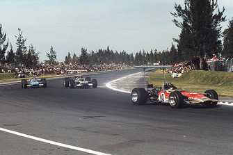 Graham Hill, Lotus 49B Ford, Jo Siffert, Lotus 49B Ford, Jackie Stewart, Matra MS10 Ford