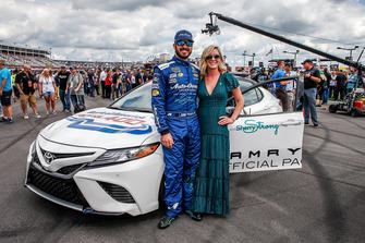 Sherry Pollex, fidanzata di Martin Truex Jr., Furniture Row Racing, Toyota Camry Auto-Owners Insurance, che guiderà la Toyota Camry pace car al via della gara