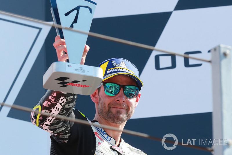 """Cal Crutchlow: """"Estou obviamente muito feliz. Como disse em Silverstone, eu gostaria de vencer um GP da Grã-Bretanha um dia. Acho que mostrei hoje que tinha ritmo para tentar vencer lá, mas acabei trazendo esse ritmo para tentar vencer aqui em Misano."""""""