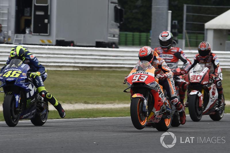 Marc Marquez, Repsol Honda Team, Valentino Rossi, Yamaha Factory Racing, practican la salida