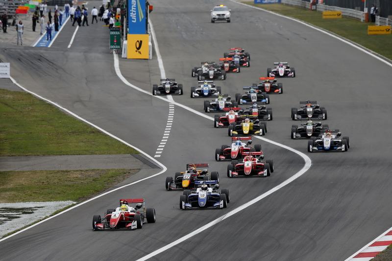 Mick Schumacher, PREMA Theodore Racing Dallara F317 - Mercedes-Benz leads