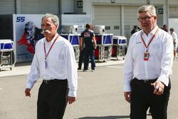 Chase Carey, Chairman, Formula One, Ross Brawn, Managing Director del Motorsport, FOM