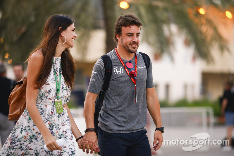 Fernando Alonso, McLaren with girlfriend Linda Morselli