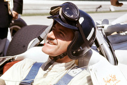 Graham Hill, Lola T90 Ford