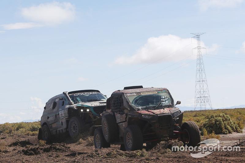 #344 Mercedes: Martin Maldonado, Sebastian Scholz is towed