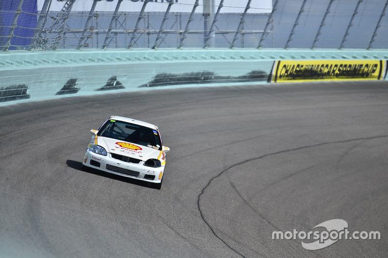 #175 MP3B Honda Civic driven by Matt Flick of Scuderia Shell Burbank