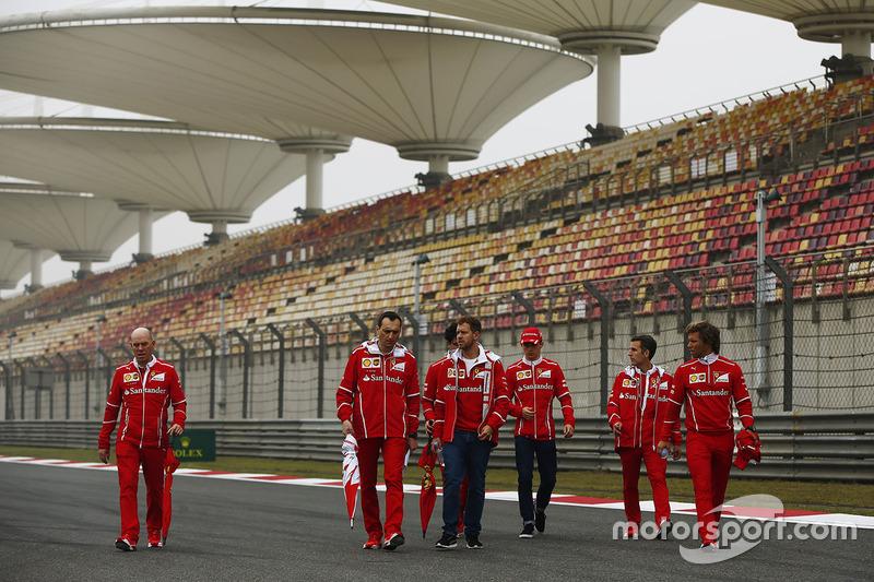 Sebastian Vettel, Ferrari including Jock Clear, Engineering Director, Ferrari, Charles Leclerc, Ferrari development driver