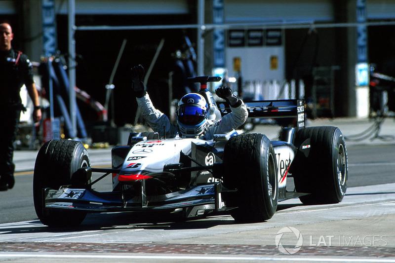 Mika Hakkinen, McLaren MP4/16