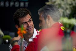 Керівник Mercedes AMG F1 Тото Вольфф, керівник Ferrari Мауріціо Аррівабене