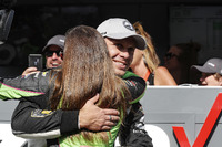 Ed Carpenter, Ed Carpenter Racing Chevrolet is congratulated by Danica Patrick, Ed Carpenter Racing Chevrolet