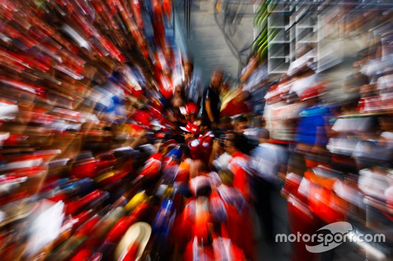 Kimi Raikkonen, Ferrari with fans