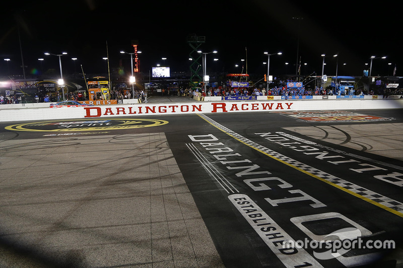 Darlington Raceway atmosphere