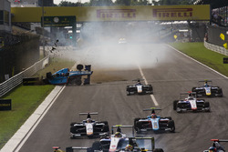 Akash Nandy, Jenzer Motorsport, crashes on the main straight