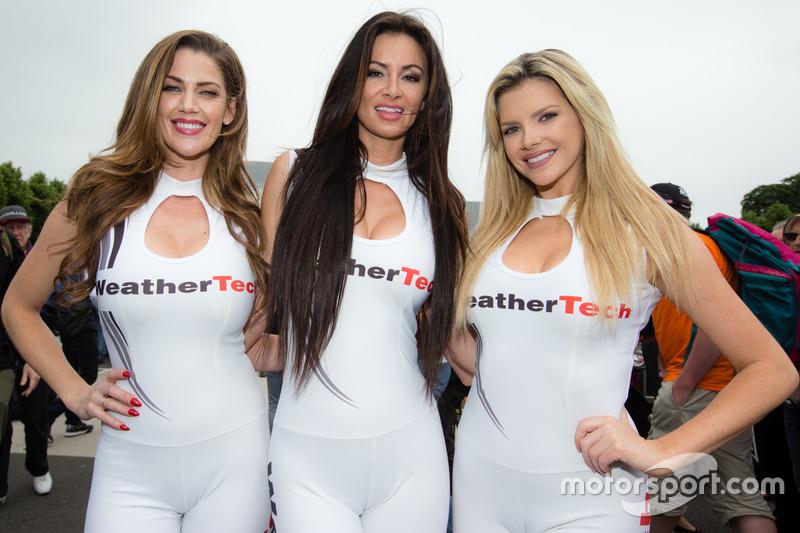 WeatherTech kızları