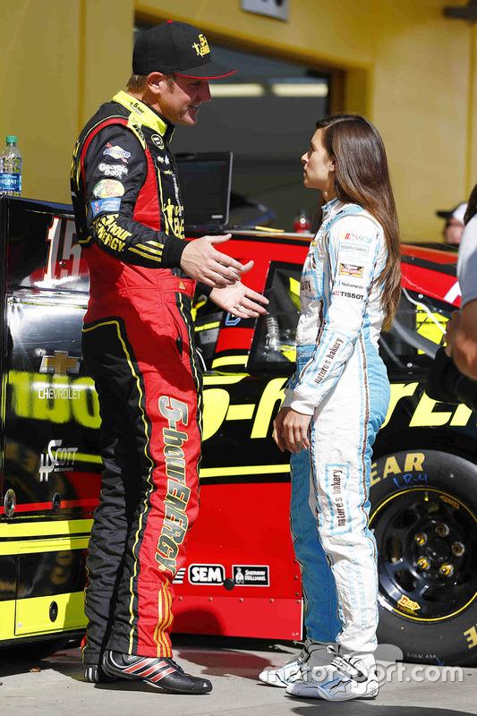 Clint Bowyer, HScott Motorsports Chevrolet, Danica Patrick, Stewart-Haas Racing Chevrolet