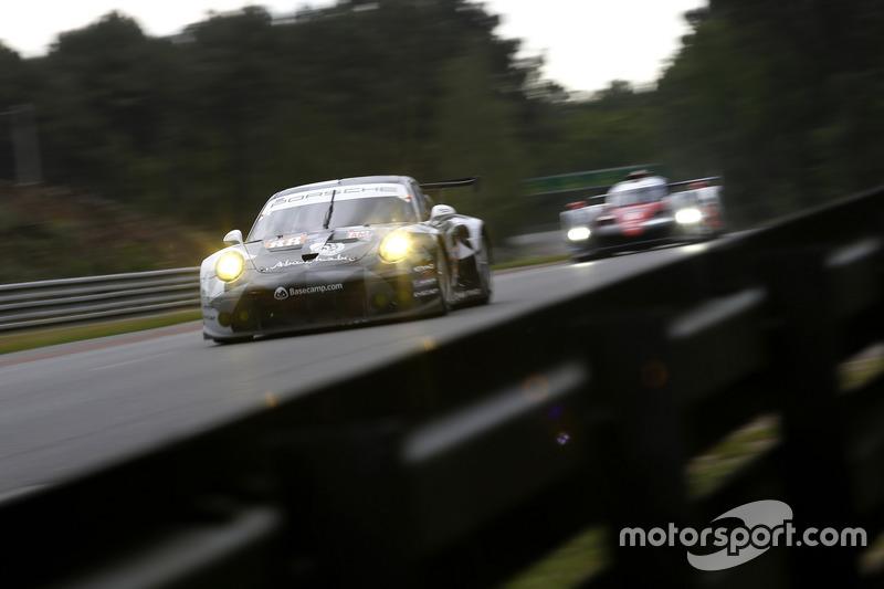 43: #88 Abu Dhabi Proton Competition Porsche 911 RSR: Khaled Al Qubaisi, Patrick Long, David Heinemeier Hansson