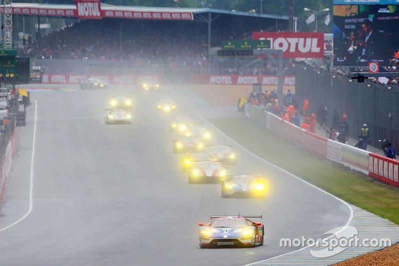 #68 Ford Chip Ganassi Racing Ford GT: Joey Hand, Dirk Müller, Sébastien Bourdais