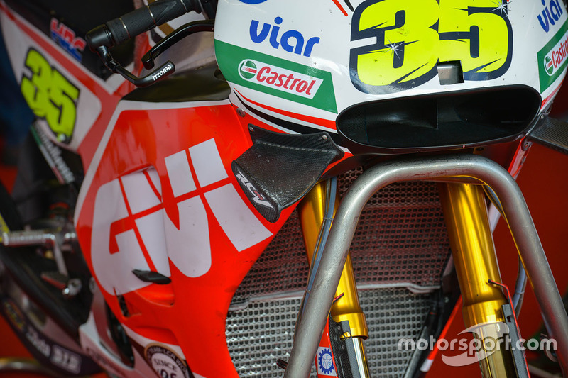 Cal Crutchlow, Team LCR Honda bike detail