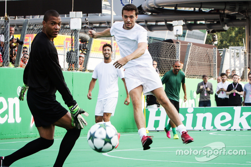 Jolyon Palmer, Renault Sport F1 Team at the charity 5-a-side football match