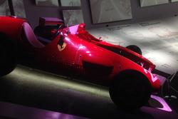 Ferrari F2000 e la Ferrari 625 F1